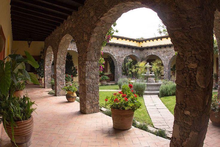 Haciendas Coloniales Mediterranean Decor In 2020 Hacienda Style Homes Spanish Style Homes Hacienda Style