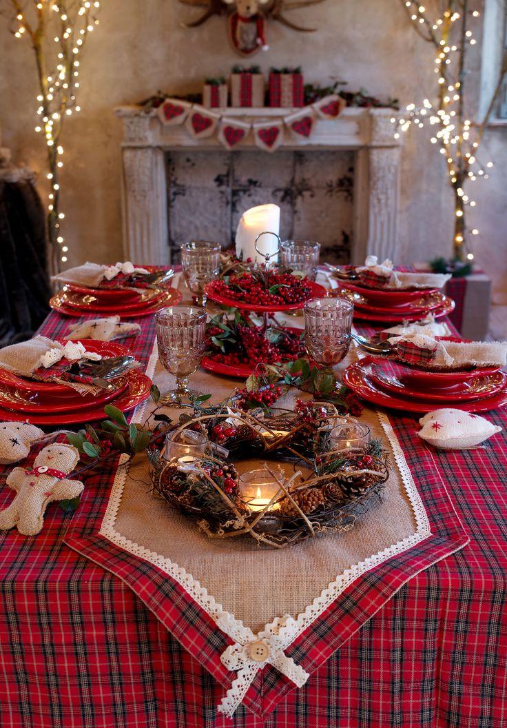 La tavola del Natale tradizionale, glamour e country. E poi gli addobbi in stile nordico, le ghirlande e gli ornamentiper il camino,le scintillanti decorazioni luminose... Ecco le ricche collezionicreate per le prossime feste da Blanc Mariclò, una più bella dell'altra, tutte da scoprire Anc