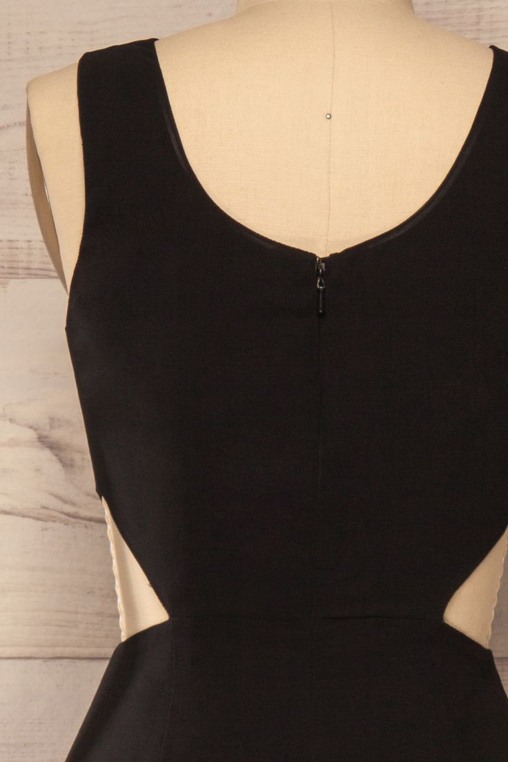 Combinaison voile noir drapé sans manches découpes taille - Black draped veil waist cut-outs sleeveless one-piece