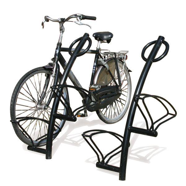 Fietsstandaard Triangel-10, met FietsParKeur voor gebruiksvriendelijk fietsparkeren.