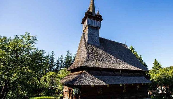 """Biserica """"Sfintii Arhangheli Mihail si Gavril"""" din Rogoz, judetul Maramures este una dintre cele mai interesante si valoroase din Transilvania. Biserica de lemn din Rogoz Maramures este datata de traditie in anul 1663, moment sustinut de inscriptia de la intrare care evoca invazia tatara din 1661. Se afla pe lista monumentelor istorice din 2004 si este inscris si in Lista Patrimoniului Mondial."""