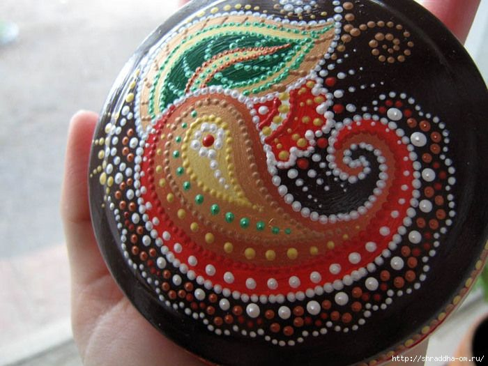 Dot art on a gourd  #doodle