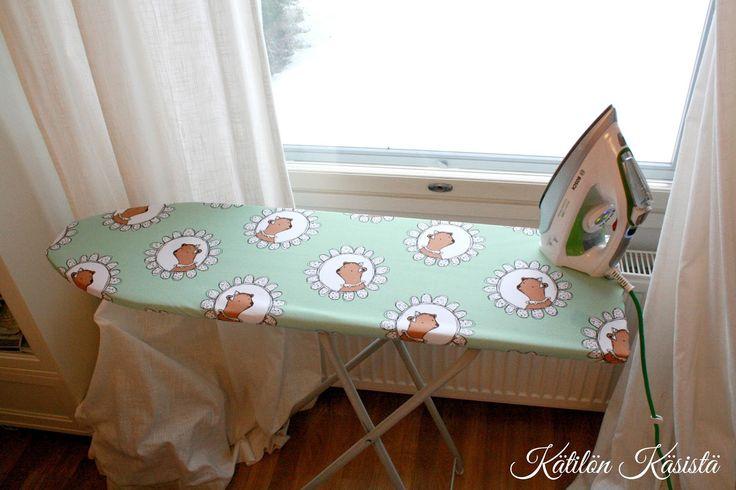 DIY ironing board cover.   Kätilön Käsistä: Pastellinen helmikuu (eli silityslaudan päällinen ja leggareita)