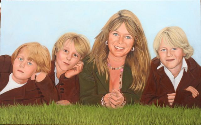 A mother and her sons, 80x 50cm, oil on canvas ©ermine