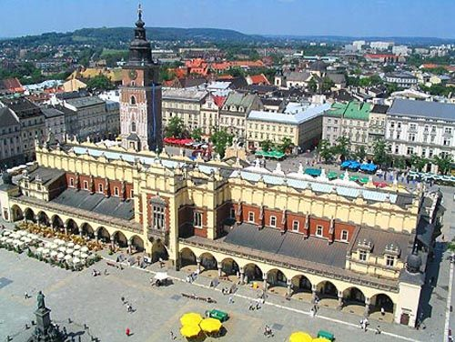 The Cloth Hall in Kraków, dates to the Renaissance and is one of the city's most recognizable icons. It is the central feature of the main market square in the Kraków Old Town (listed as a UNESCO World Heritage Site since 1978).