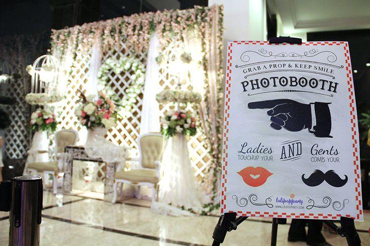 dekorasi photo booth pernikahan - Penelusuran Google