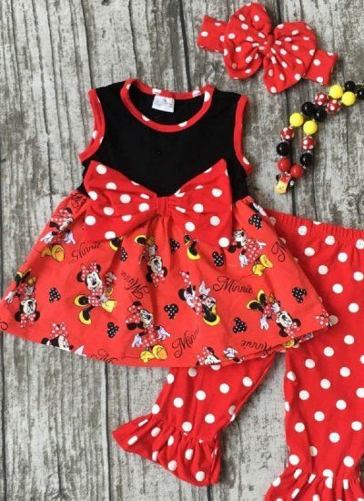 Minnie Mouse Outfit for Disney Trip at www.cassiesclosetinc.com