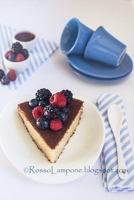 rossolampone: HOT MILK SPONGE CAKE CON COULISSE AI FRUTTI ROSSI