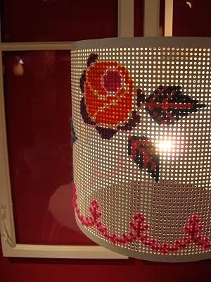 cross stitch lamp: Diy Stitches, Crafts Misc, Cris Crosses, Crafts Ideas, Creative Stitches, Crosses Stitches, Lamps Shape, Stitches Lamps, Cross Stitches
