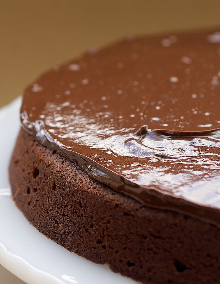 Reine de Saba is such a rich, delicious, chocolate-y cake! If you are a chocolate lover, this one is a must-bake! - Bake or Break
