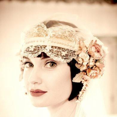 1920s lace headband with flowers.: