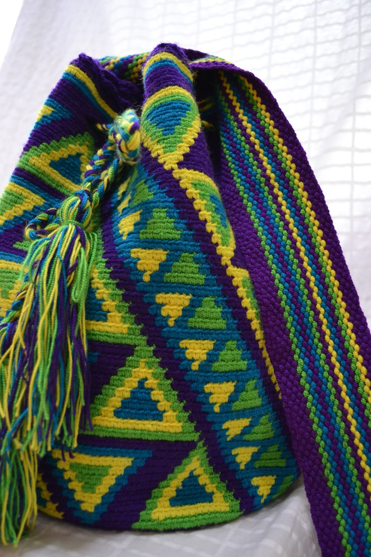 Wayuu bag with a wonderful color combination !!!