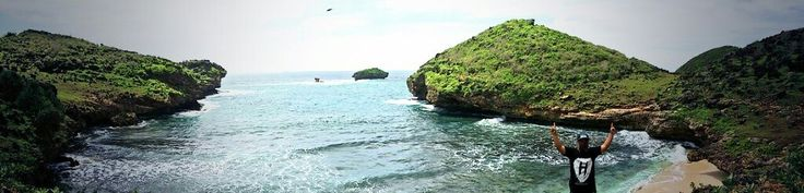 Pantai Srau, Pacitan Jawa Timur #travelerdadakan #indonesia #TDI #explorepacitan