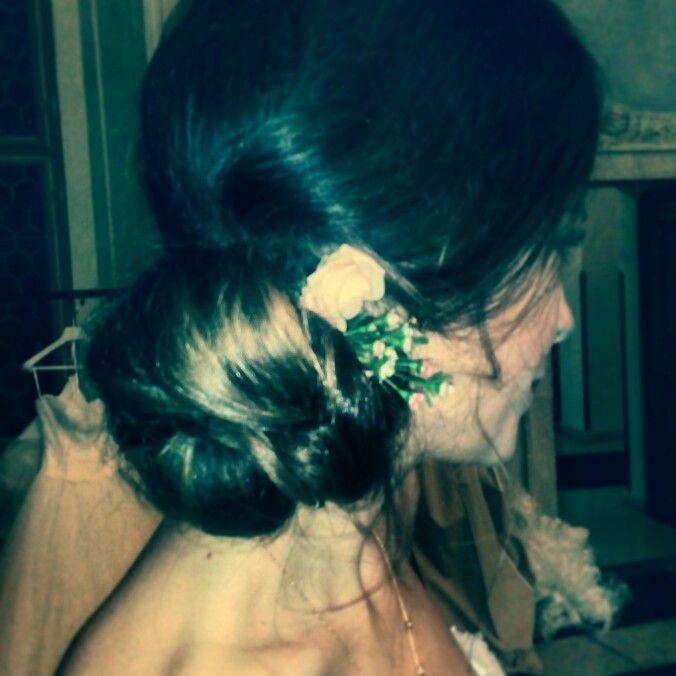 Romantic wedding updo / lowdo #loosebunwithflowers #sidechingon #romantichairdo #PragueweddingMUA Jitka Novotna / www.jitkanovotna.com
