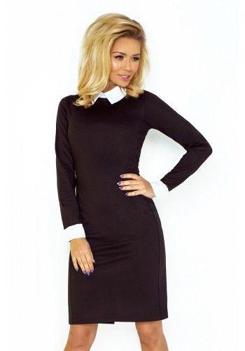 Elegantné dámske šaty čiernej farby s bielym golierom v akcii