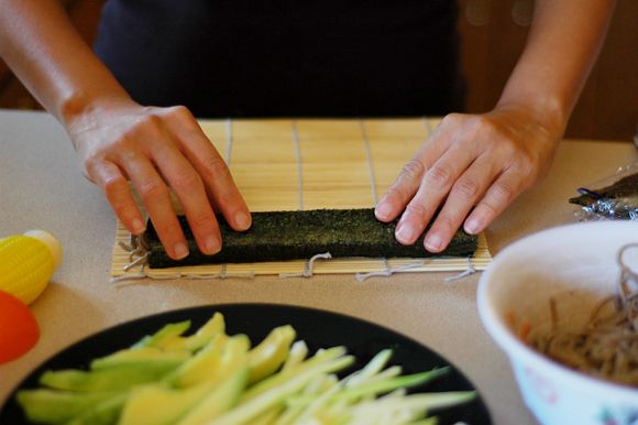 How to roll sushi #skills #cooking