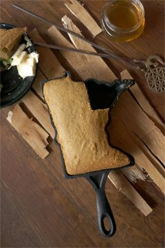 Minnesota-shaped cast iron pan, for cakes, cornbread and cobblers.