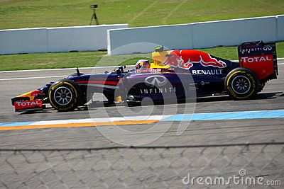 F1 Photo - Formula One Red Bull Car : Daniel Ricciardo