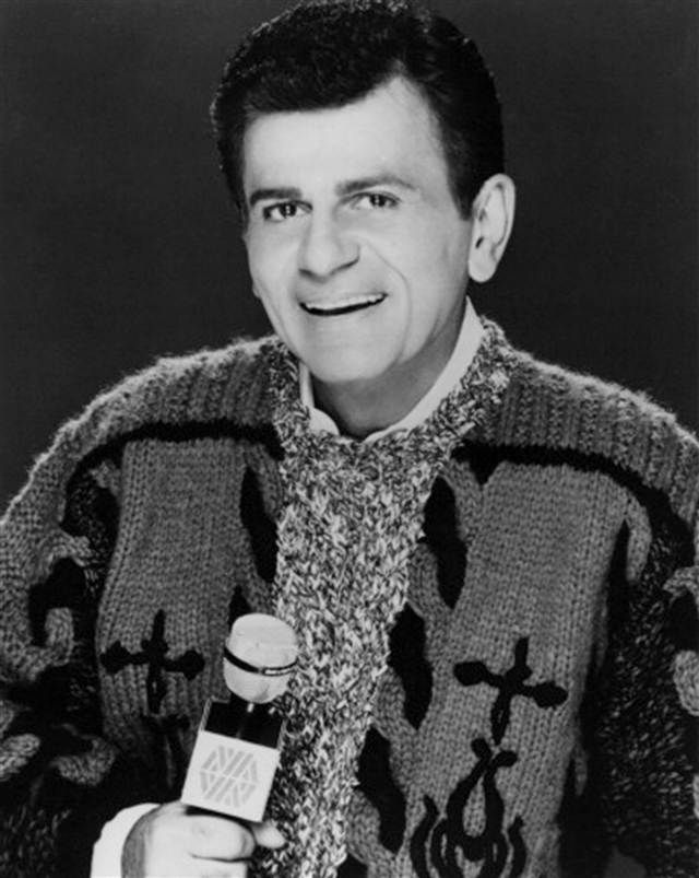 Casey Kasem, radio icon, dies at 82  (Photo: Michael Ochs Archives / Getty Images file)