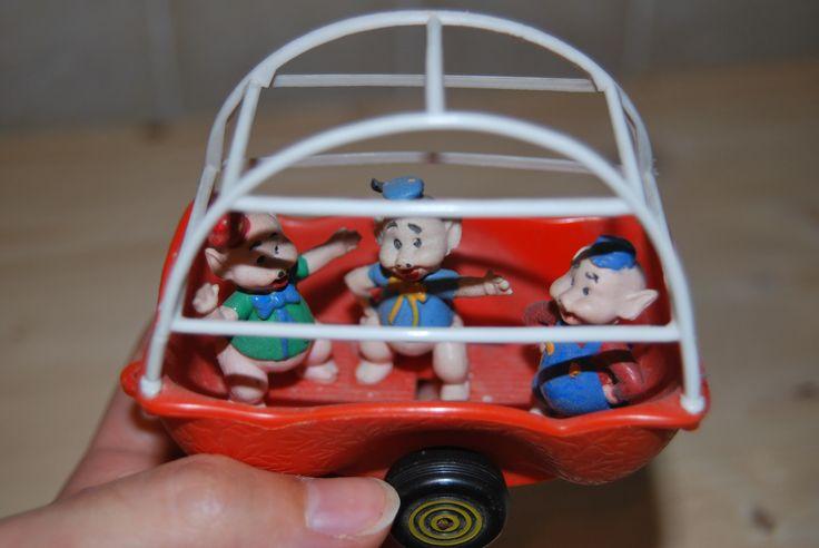 https://www.etsy.com/listing/198840231/polistil-disney-politoys-vintage-car