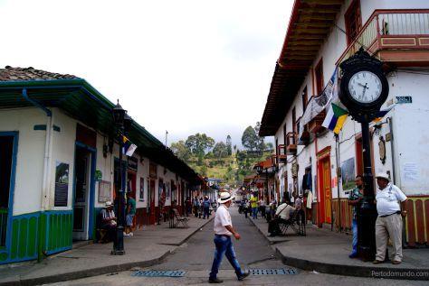 Calle Real, Salento  http://pertodomundo.com/tag/salento/