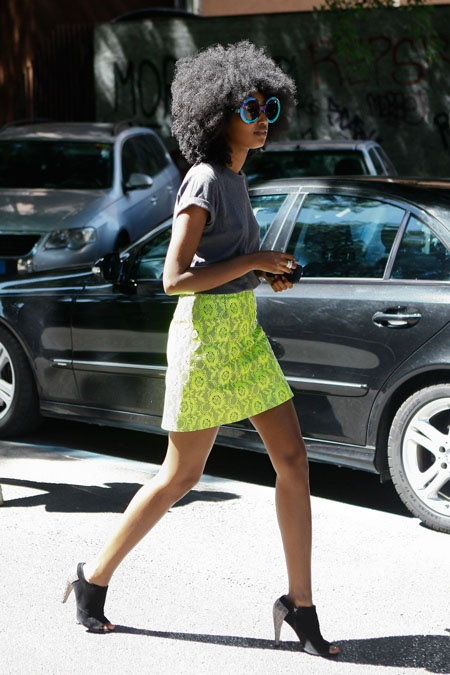 mix neon with grey: Neon Parties, Color, Street Style, Neon Green, Yellow Skirts, Natural Hair, Neon Skirts, Naturalhair, Lace Skirts