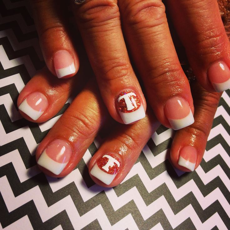 """""""Go Vols!"""" - Tammy Taylor Pink & Whites w Dazzle Rocks in """"Copper Sandeez"""" on the flair nail for UT! - done by yours truly! The Nail Diva"""