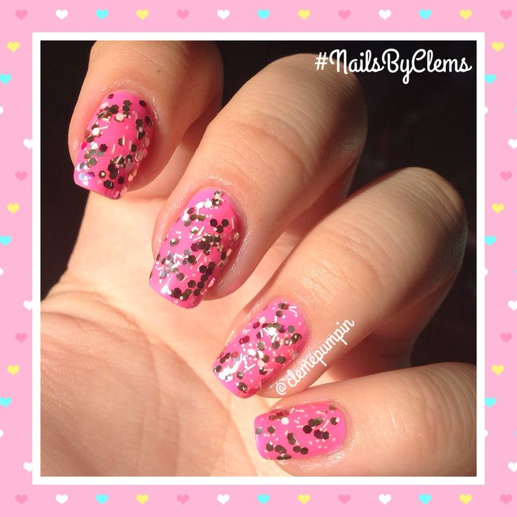 """Hi there! My #birthday #nails  using """"Laced Up"""" by @chinaglazeofficial  topped with a selfmade polish that I named """"Summer Diva!""""  hope you like it!  IMPORTANT INFORMATION I would like to announce I will extend the deadline for my #nailart recreation contest until October 25th! So get your entries coming till then ladies! Thank you so much for your participation!  #nails #nailsdid #nailporn #nailswag #nailpolish #nailsbyclems #glitter #loveglitter #lovepink #pink"""