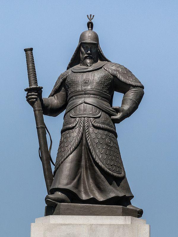 ˚Insadong - Seoul - South Korea - Admiral Yi Sun-sin