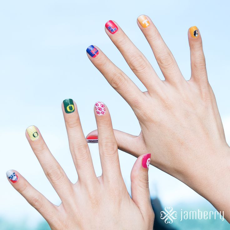 Who are you rooting for this season? OR EVERY season! ;)  Show that team spirit right on the tip of your fingers!