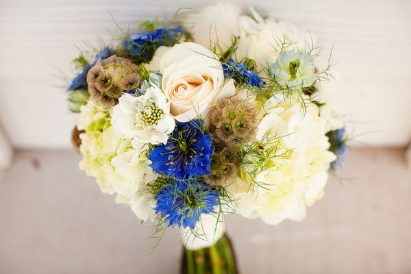 Cream with touches of natural texture and blue