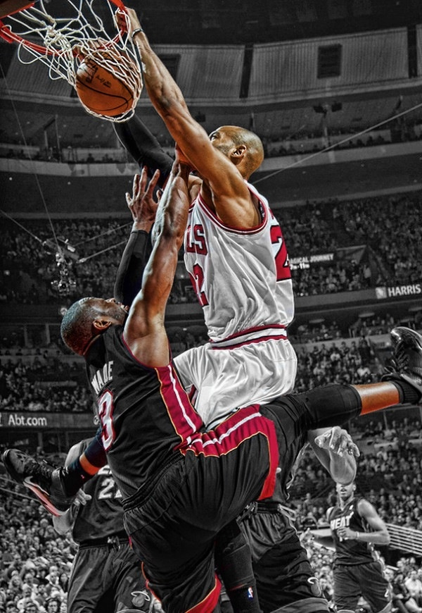 Taj Gibson dunk on Dwayne Wade