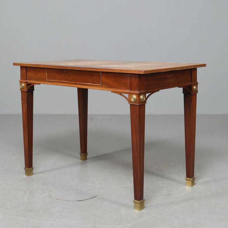 SKRIVBORD, gustaviansk stil, mahogny, 1800-tal.