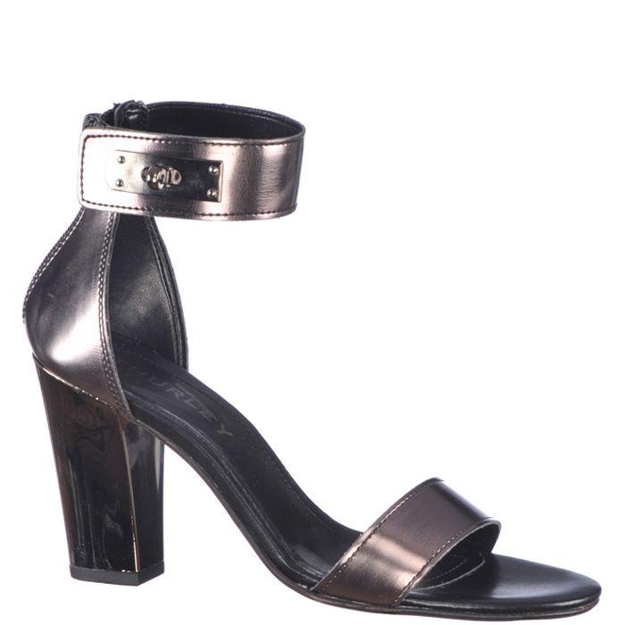 Sandale cu toc inalt de 9,5 cm, marca Thurley de culoare gri inchis metalic. Sunt din piele naturala, piciorul fiind fixat printr-o bareta in partea din fata si acoperis si bareta in jurul gleznei in partea din spate.
