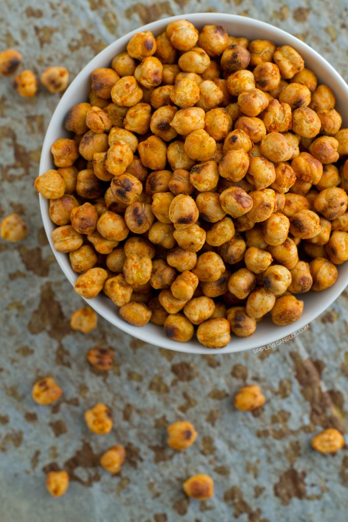 Spicy Roasted Chickpeas from Scratch | http://simpleveganblog.com/spicy-roasted-chickpeas/