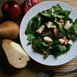 Salade met peer en granaatappel