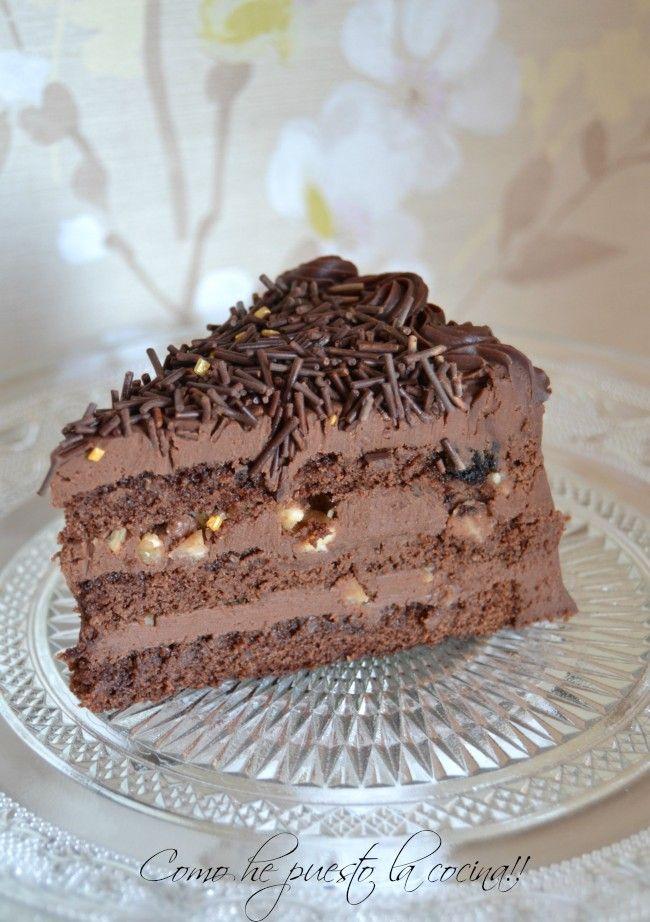 Tarta de chocolate, avellanas y Baileys
