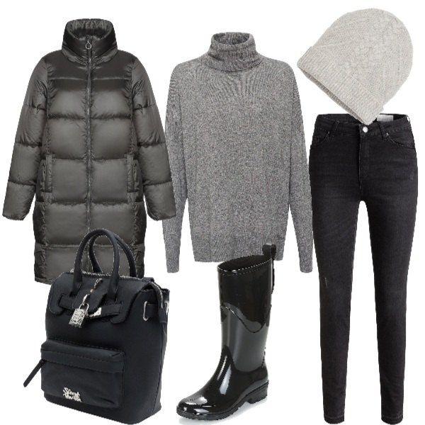 best service cf706 0cfed Piumino lungo, dolcevita e jeans nero. Completano il look un ...