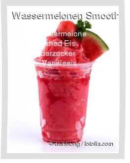 Leckeres Wassermelonen Smoothie Rezept mit einfacher Schritt-für-Schritt-Anleitung: Schale und Kerne von der Wassermelone entfernen und alle Zutaten im M...