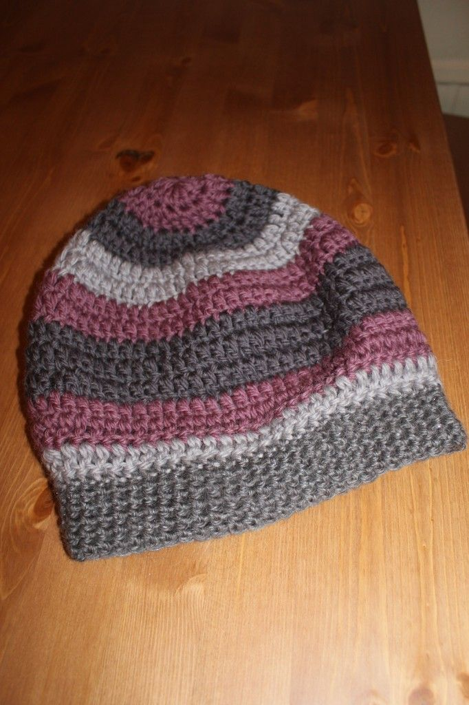 Slouchy hipster hat crochet – free pattern – Redhead crochet