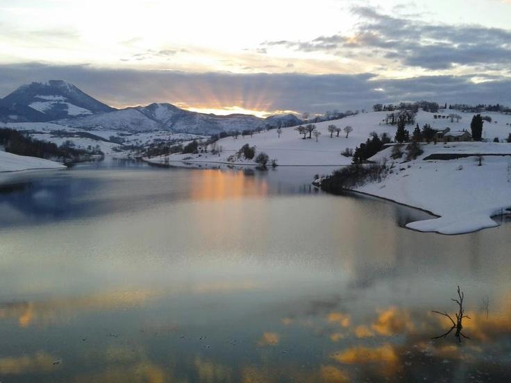 Cingoli's lake, Marche, travel, tourism, Italy