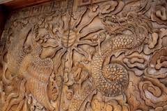 Pola Elemen (Pattern element) dengan tampilan ukiran pada kayu jati