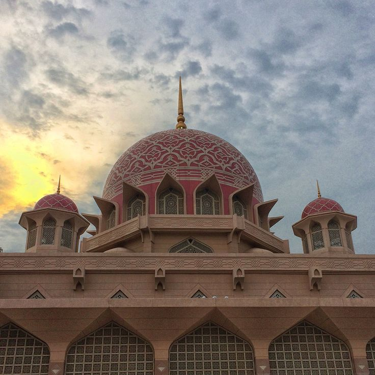 Putra Mosque.  Putrajaya, Malaysia.