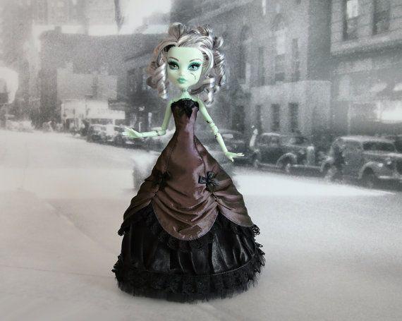 Viktorianisches Kleid handgefertigt passend für  MH Puppe