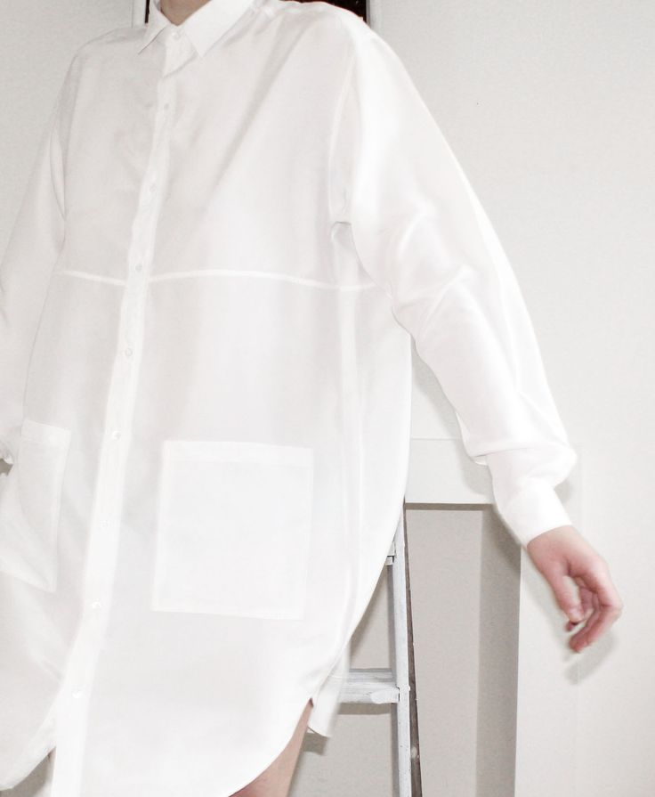 Minimal + Classic: Hannah Sager Forsberg - White shirt dress