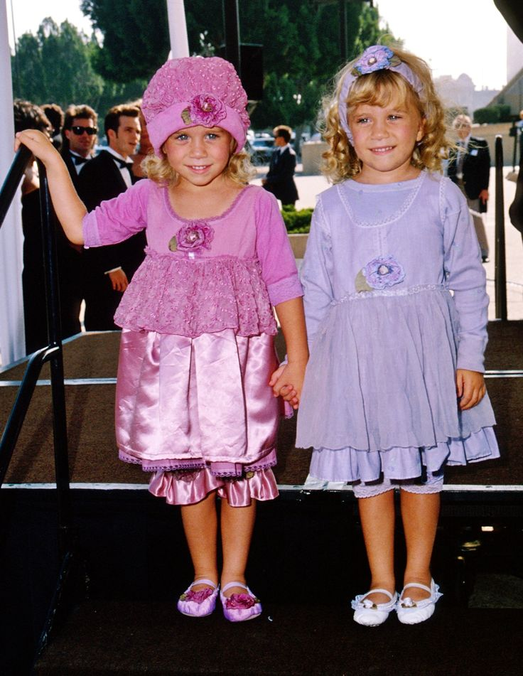 mary kate dating 201 In march 2012, both mary-kate and ashley olsen indicated their interest to retire as actresses in order to focus on their careers in fashion.