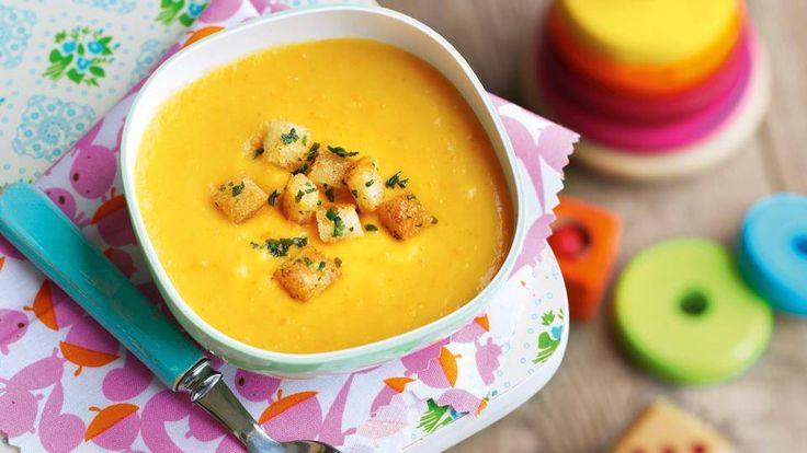 Zupa marchwiowo-ziemniaczana z grzankami ziołowymi z pewnością przypadnie do gustu każdemu dziecku! Po przepis zapraszamy do Kuchni Lidla!