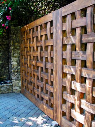 Simple backyard privacy fence ideas on a budget (61)