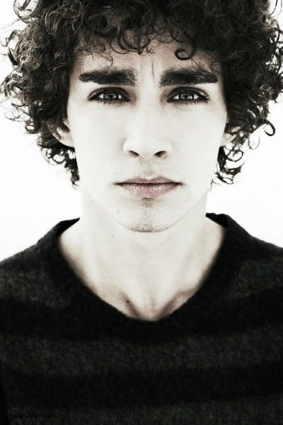 Misfits was just about the most foul mouthed, sex crazed, violent and in every other way inappropriate television series I've ever laid eyes on. Robert Sheehan looks like a young Bob Dylan here. I was so sad when he left the show.