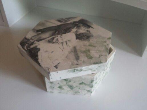 Side decoupage hexagon vintage box